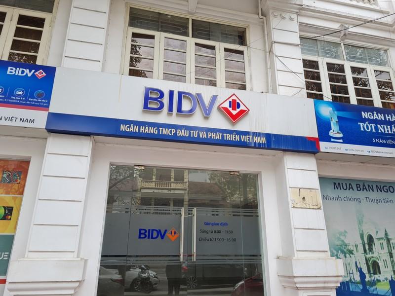 BIDV rao ban loat khoan no tri gia hang tram ty dong