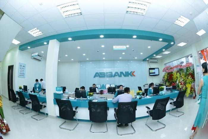 ABBank: Tien gui khach hang sut giam, no xau van tang