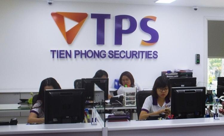 Loi nhuan quy 2 va 6 thang cua Chung khoan Tien Phong tang manh