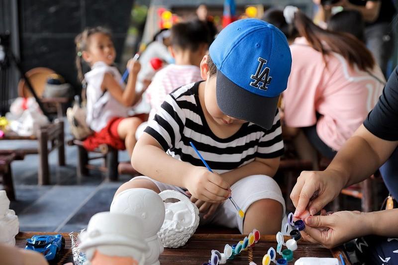 """Cu dan nhi tung bung 'Ruoc den len trang"""" trong dem hoi Trung thu cua Sunshine Group-Hinh-7"""