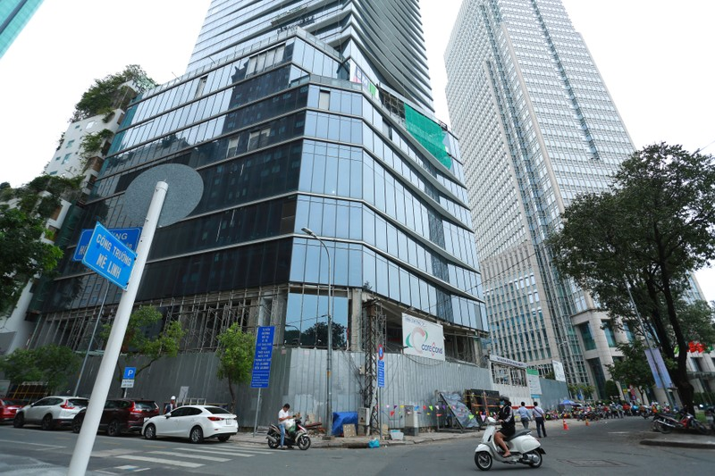 Can canh khach san 5 sao Hilton Sai Gon bi de nghi ra soat phap ly-Hinh-4