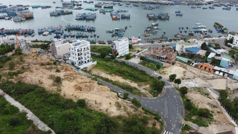 Hang loat sai pham tai du an Nha Trang Seapark