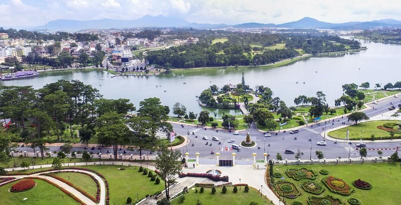 Lam Dong noi gi ve viec Nguyen Thinh Phat muon tai tro lap quy hoach du an o Da Lat?