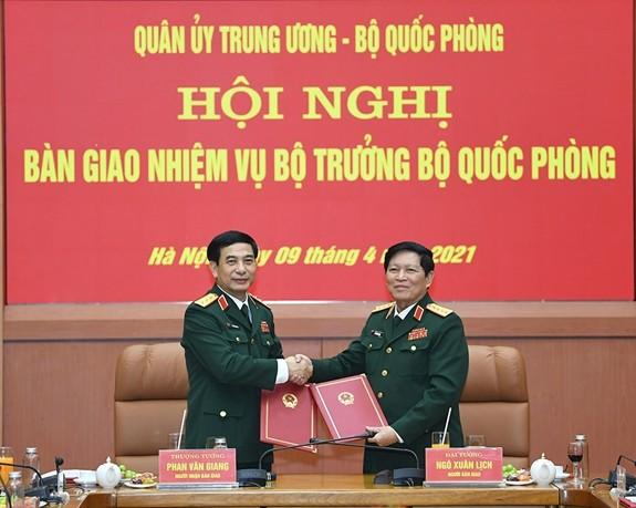 To chuc Hoi nghi ban giao nhiem vu Bo truong Bo Quoc phong