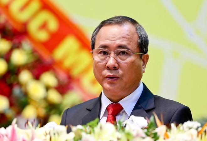 Bo Chinh tri de nghi xem xet ky luat Bi thu Tinh uy Binh Duong