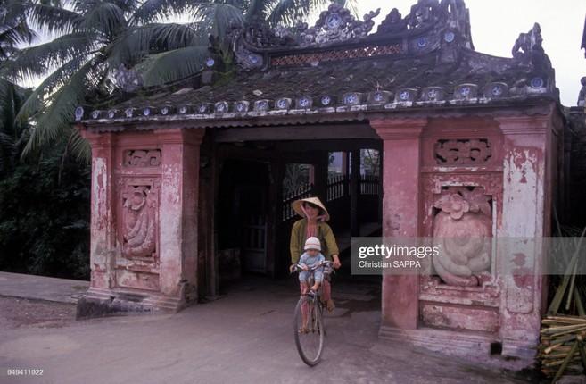 Nhung hinh anh dep ve Viet Nam dau thap nien 1990-Hinh-3