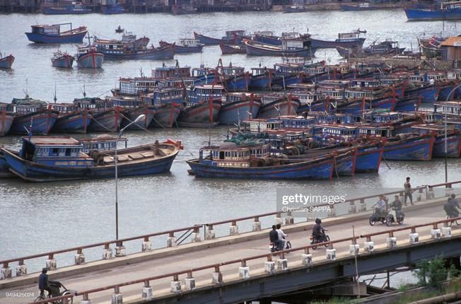Nhung hinh anh dep ve Viet Nam dau thap nien 1990-Hinh-5