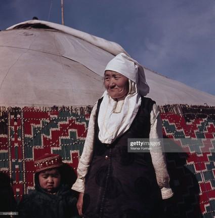 Loat anh dac sac ve the gioi tam linh o Ulan Bator nam 1962-Hinh-16