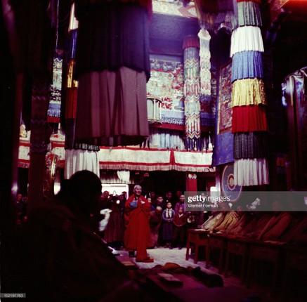 Loat anh dac sac ve the gioi tam linh o Ulan Bator nam 1962-Hinh-6