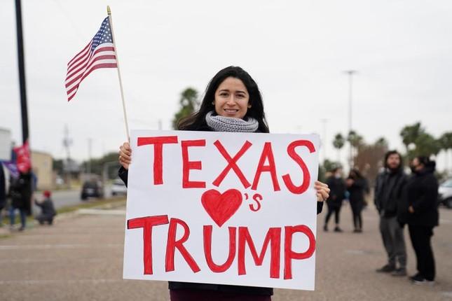 Tong thong Trump tham buc tuong bien gioi My-Mexico-Hinh-8