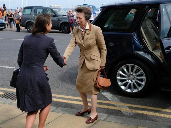 Con gai duy nhat cua Nu hoang Anh Elizabeth II tung duoc de cu giai Nobel Hoa Binh-Hinh-6