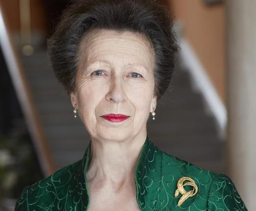Con gai duy nhat cua Nu hoang Anh Elizabeth II tung duoc de cu giai Nobel Hoa Binh
