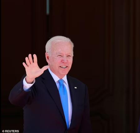 Tong thong My Joe Biden tang mon qua bat ngo cho ong Putin-Hinh-11
