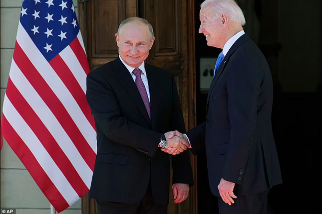 Tong thong My Joe Biden tang mon qua bat ngo cho ong Putin