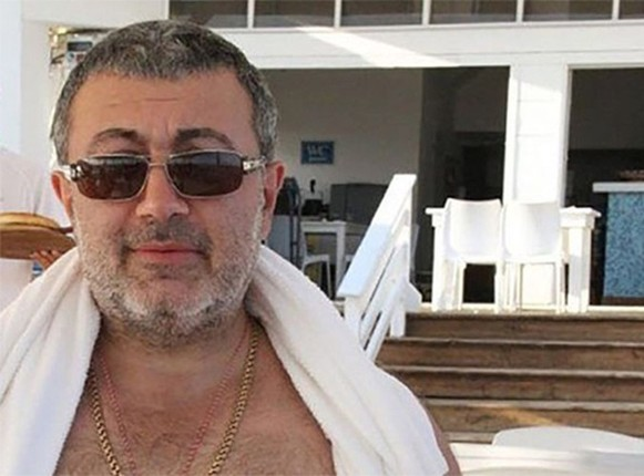 3 con gai ong trum mafia Mikhail Khachaturyan sat hai cha?-Hinh-5