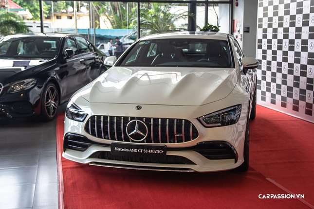 Can mat xe Mercedes-AMG GT 53 4Matic+ co gia hon 6 ty-Hinh-13