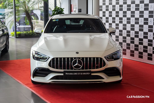 Can mat xe Mercedes-AMG GT 53 4Matic+ co gia hon 6 ty-Hinh-2