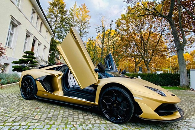 Dai gia Cuong Do la tau sieu xe Lamborghini Aventador SVJ mui tran-Hinh-2
