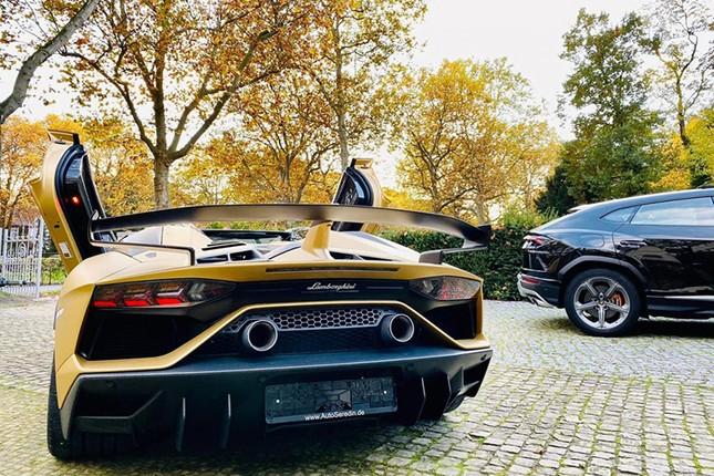 Dai gia Cuong Do la tau sieu xe Lamborghini Aventador SVJ mui tran-Hinh-3