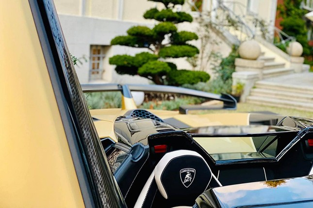 Dai gia Cuong Do la tau sieu xe Lamborghini Aventador SVJ mui tran-Hinh-5