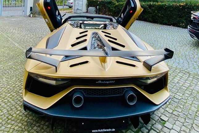 Dai gia Cuong Do la tau sieu xe Lamborghini Aventador SVJ mui tran-Hinh-7