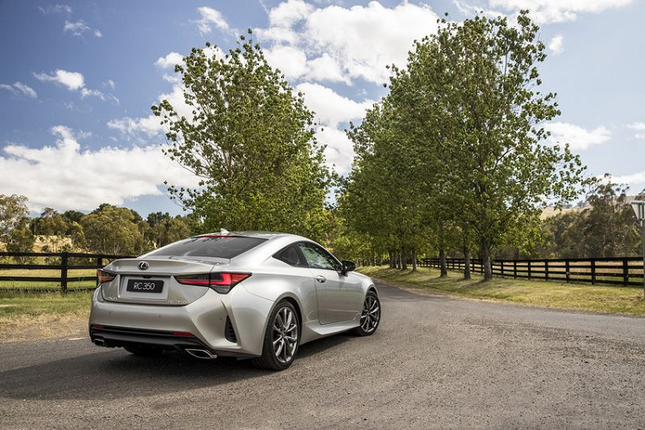 Can canh Lexus RC 2021 sang chanh gia hon 1 ty dong-Hinh-3