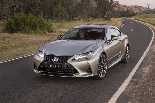 Can canh Lexus RC 2021 sang chanh gia hon 1 ty dong-Hinh-5