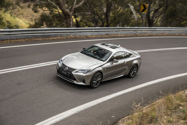 Can canh Lexus RC 2021 sang chanh gia hon 1 ty dong-Hinh-7