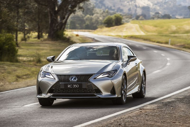 Can canh Lexus RC 2021 sang chanh gia hon 1 ty dong