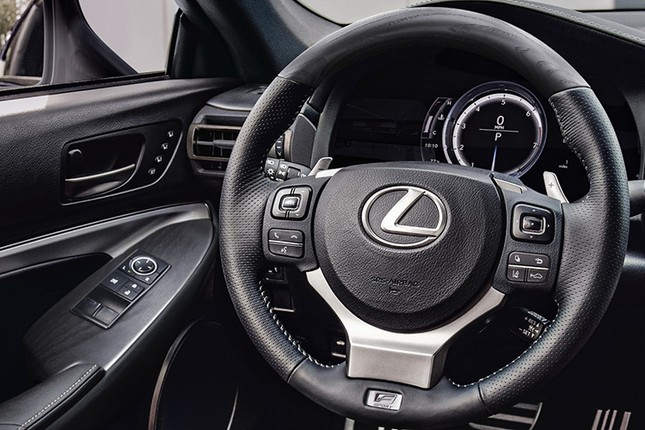 Can canh Lexus RC 2021 sang chanh gia hon 1 ty dong-Hinh-6