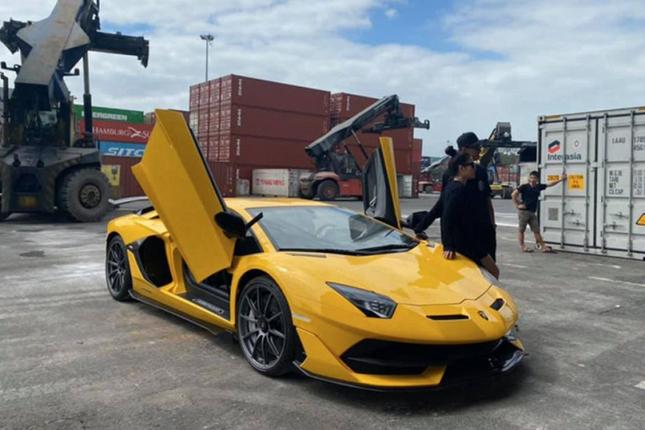 Dai gia Da Nang chi hon 50 ty dong tau Lamborghini Aventador SVJ-Hinh-3