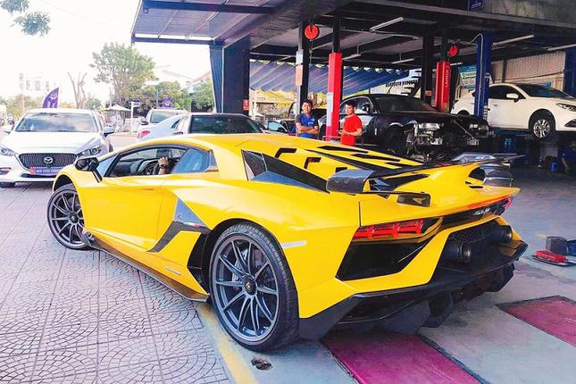 Dai gia Da Nang chi hon 50 ty dong tau Lamborghini Aventador SVJ-Hinh-4