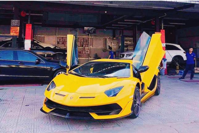 Dai gia Da Nang chi hon 50 ty dong tau Lamborghini Aventador SVJ