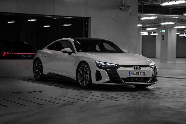 3 ong lon xe sang Audi, BMW va Lexus dua san xuat oto dien-Hinh-2