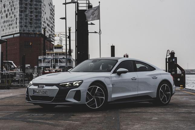 3 ong lon xe sang Audi, BMW va Lexus dua san xuat oto dien