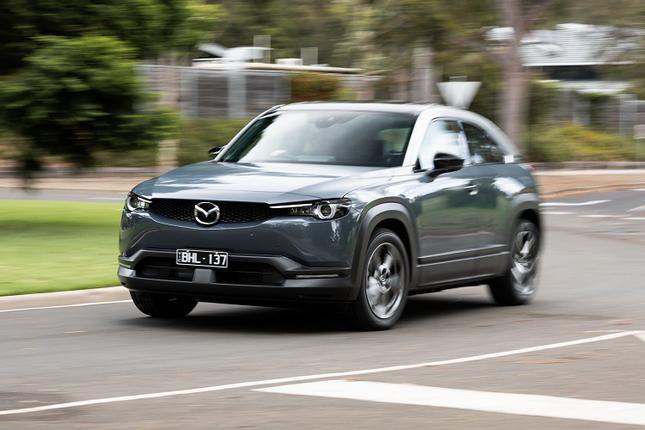 Mazda MX-30 chay dien ban gia tu 1,16 ty dong tai Uc