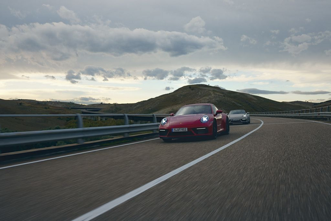 Can canh Porsche 911 GTS 2022 khoang 3,2 ty dong-Hinh-11