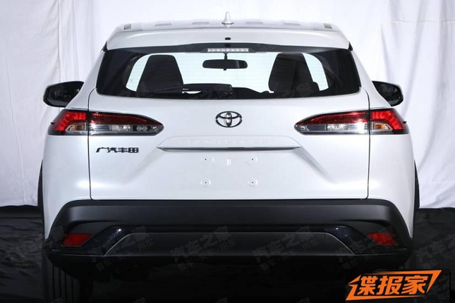 Can canh Toyota Frontlander 2022 tai Trung Quoc giong het Cross-Hinh-7