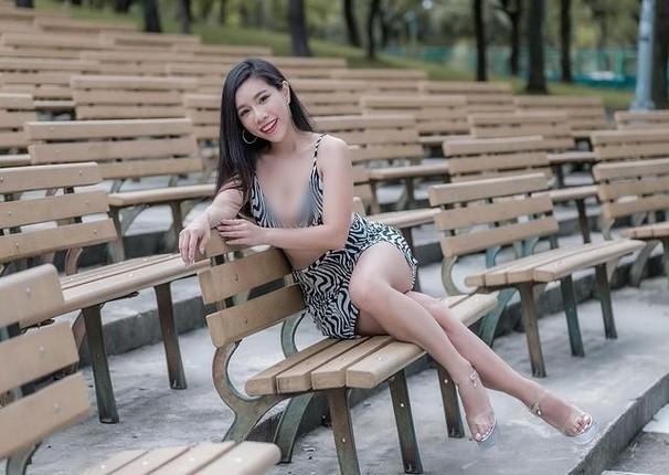 Nu doanh nhan khoe phong cach ho bao cuon hut-Hinh-10