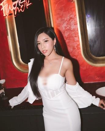 Nu doanh nhan khoe phong cach ho bao cuon hut-Hinh-11