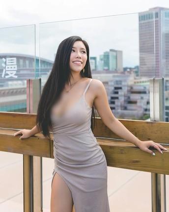 Nu doanh nhan khoe phong cach ho bao cuon hut-Hinh-12