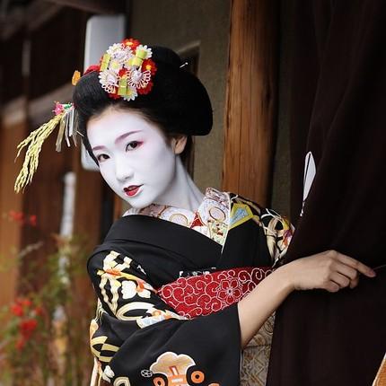 Bi mat ve qua trinh kho luyen cua Geisha Nhat Ban-Hinh-2