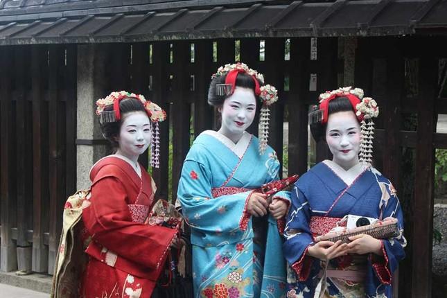 Bi mat ve qua trinh kho luyen cua Geisha Nhat Ban-Hinh-6