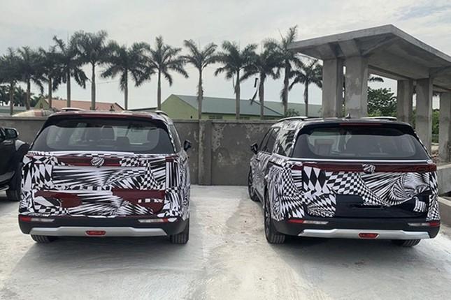 Kia Sedona 2021 xuat hien tren pho Viet nhung duoc 'nguy trang' kin mit-Hinh-2