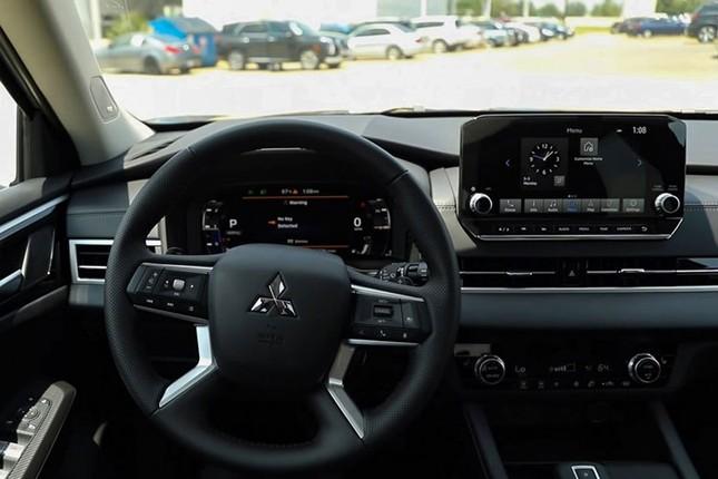 Trai nghiem thuc te Mitsubishi Outlander 2022 moi-Hinh-9