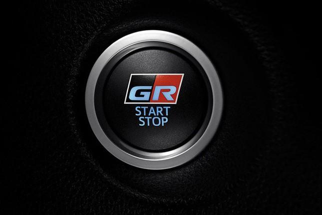 Can canh Toyota Corolla Cross GR Sport 2021 gia tu 719 trieu dong-Hinh-7