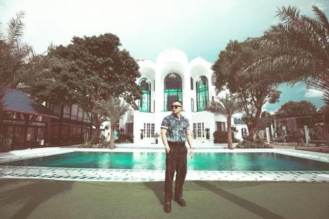 Biet thu nhu khu resort cua Vu Khac Tiep