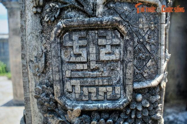 Ve trang le cua lang mo Duc Thanh Cung o Hue-Hinh-11