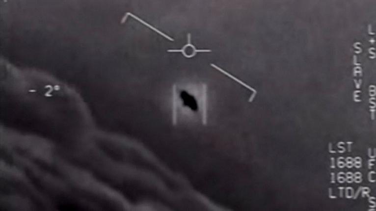 Nha khoa hoc tiet lo van toc kinh hoang cua UFO