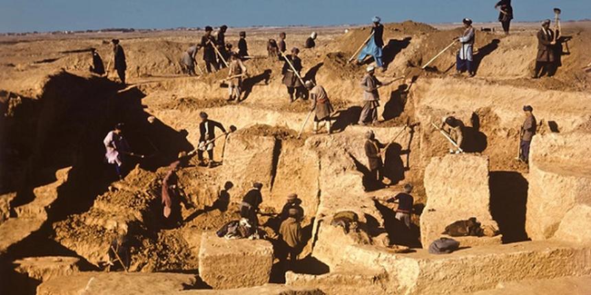 Kho bau khung co hang nghin mieng vang o Afghanistan khien Taliban rao riet san lung